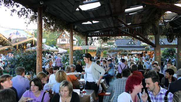 Stuttgart Oktoberfest Volksfest by day
