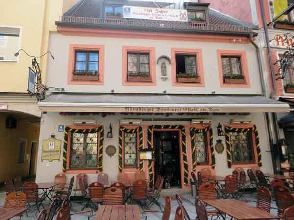 Bratwurst Glöckl Restaurant in Munich