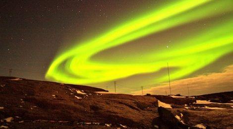 aurora-429126_640 Northern lights five-best-outdoor-breaks-europe May 16