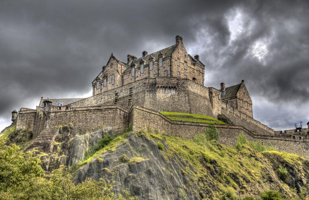 6 Reasons to visit Edinburgh