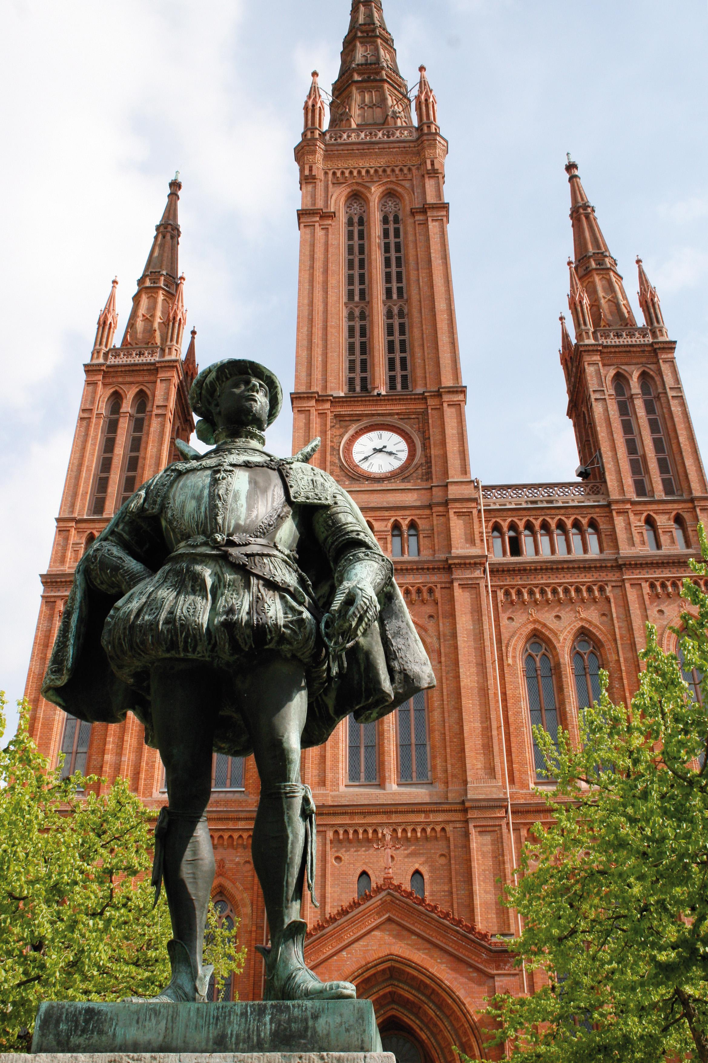 2 W statue man