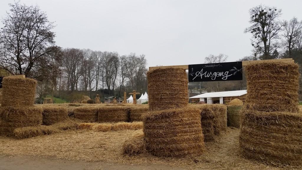 Straw Sculpture Hay Maze - SS
