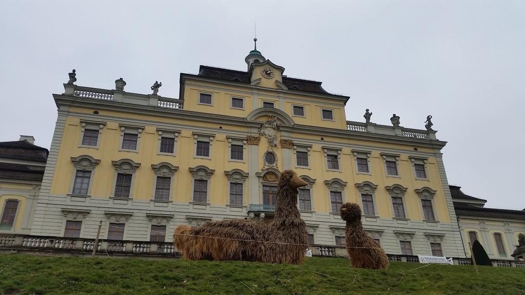 Straw Sculpture Ludwigsburg Schloss -1 SS