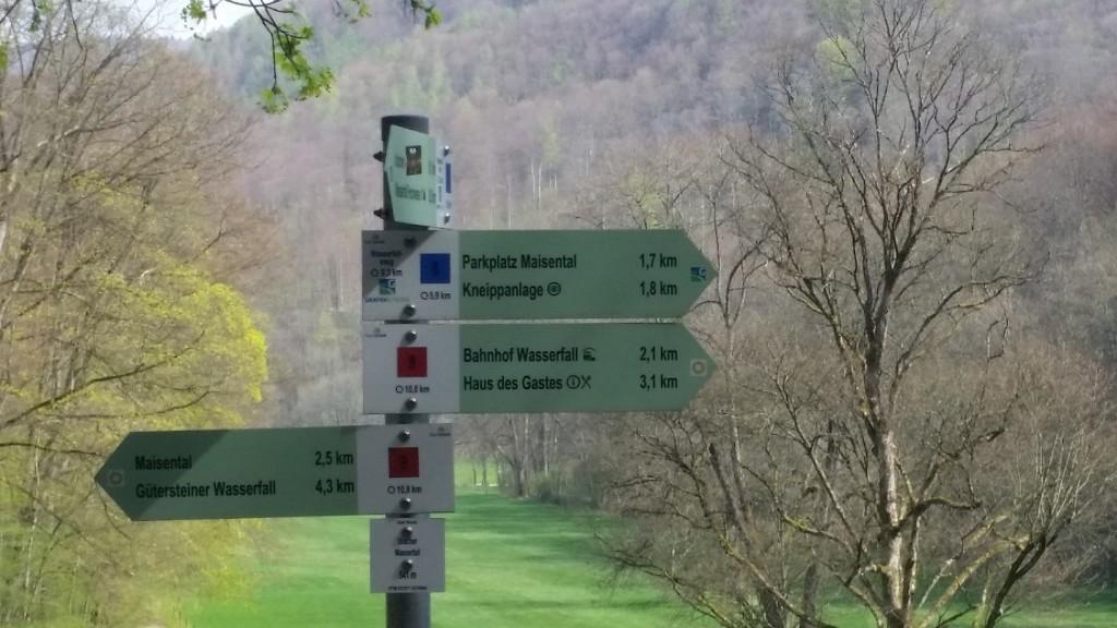 Bad Urach Hiking signs