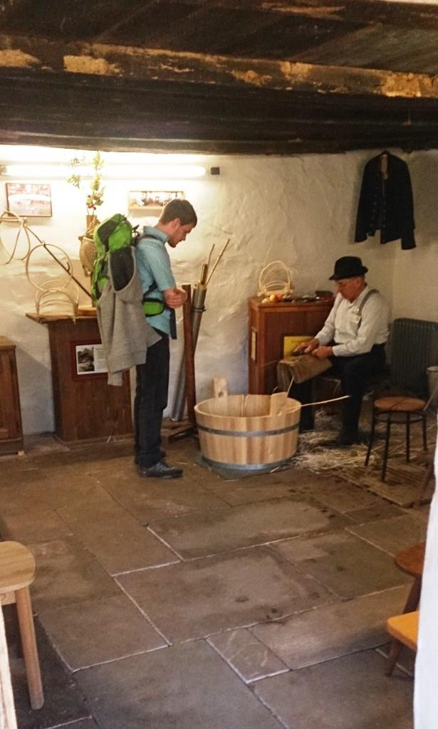 Vogtsbauhof basket weaving