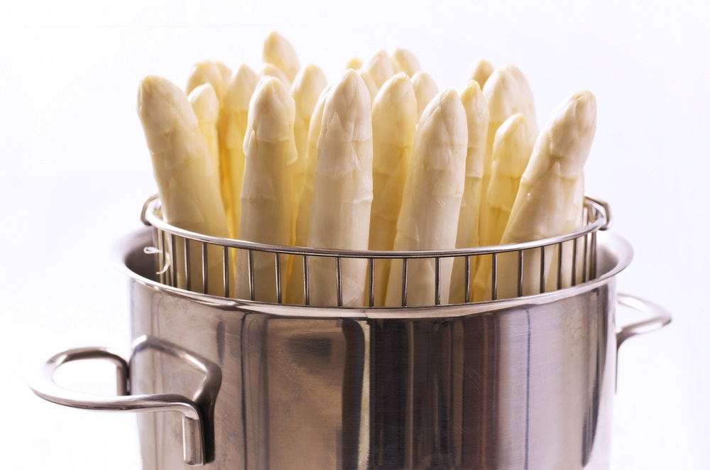 spargel in pot