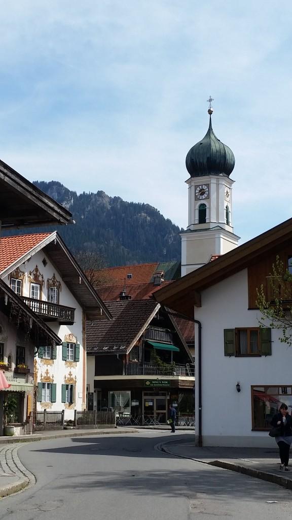 Garmisch 3 street wit temple