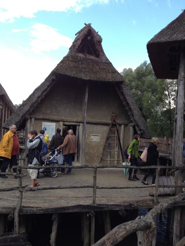 Pfahlbauten with visitors IMG_9265