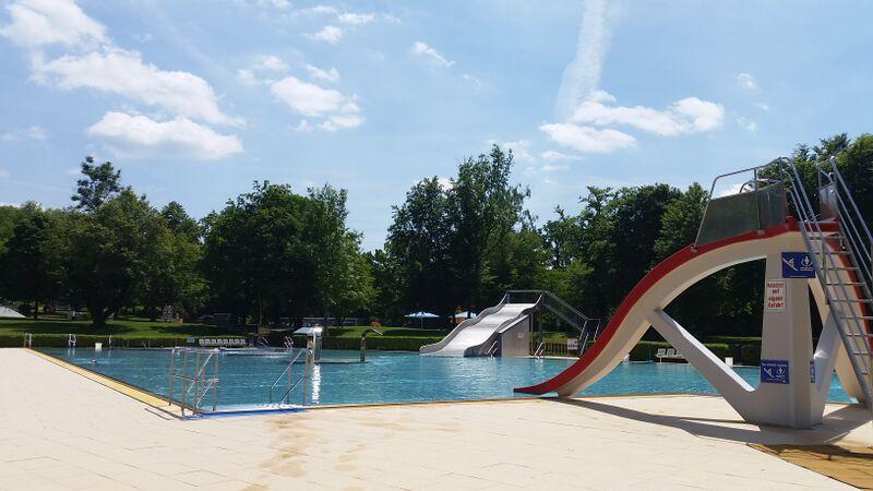 Swimming kiddie pool