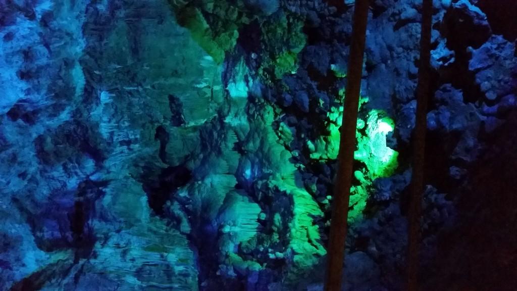 Bear cave - blue