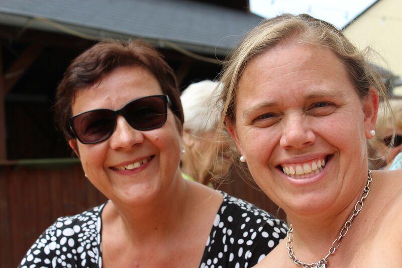 lifelong friends in Mettweiler Wendy Fest 101
