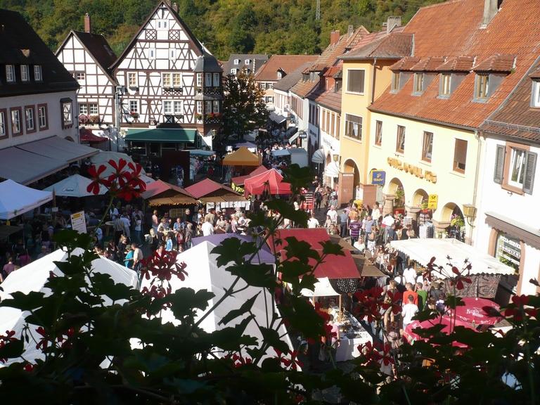 suedlicheweinstrasse_annweiler am Trifels_Keschdefeschd in Annweiler_2 (1)