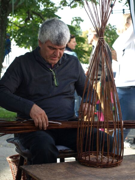 basket making Uli Eder Mössingen's Apple Week