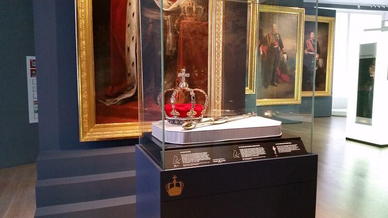 Crown Jewels museum Wendy Stuttgart Stadmitte