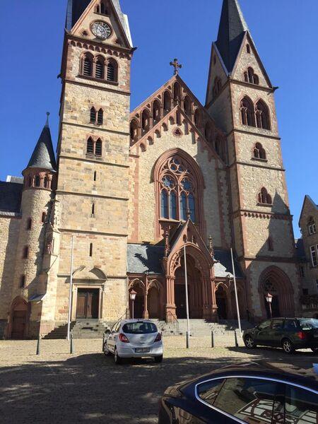 Kelly Heppenheim church Hanging around Heppenheim