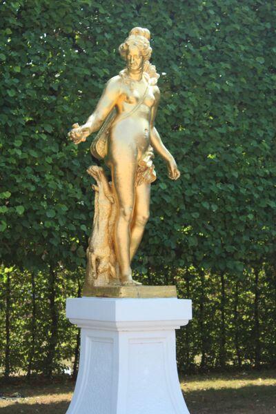 Wendy Schwetzingen garden statue
