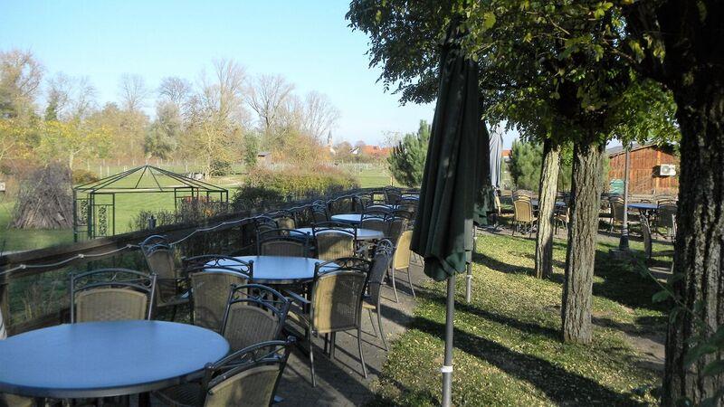 Farm restaurant Kelly Straussenfarm Mhou – An Ostrich Farm
