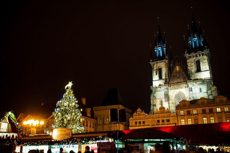 0088 Gemma Czeching out the Prague Christmas Market