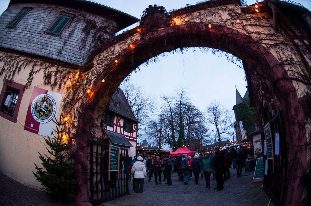 1 Main GemmaEltville Christmas Market