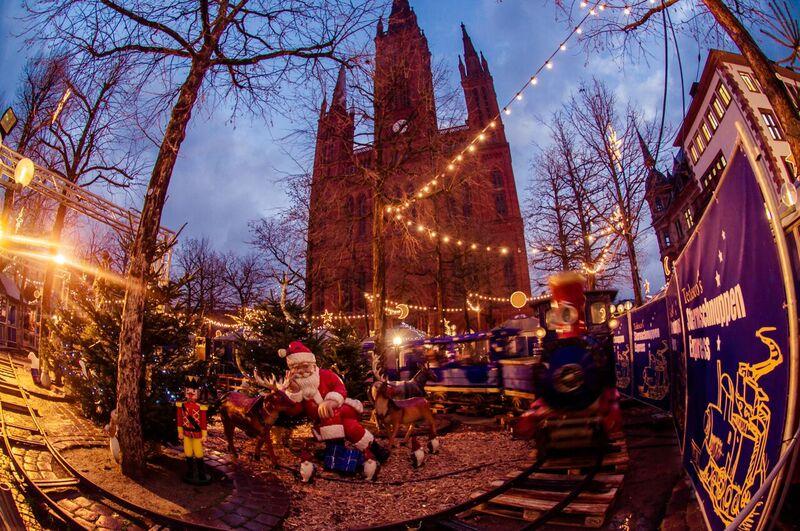12 kids Gemma Wiesbaden Twinkling Star Christmas Market