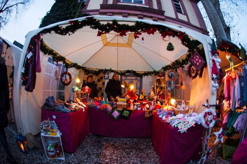 17 cute tent Gemma Eltville Christmas Market