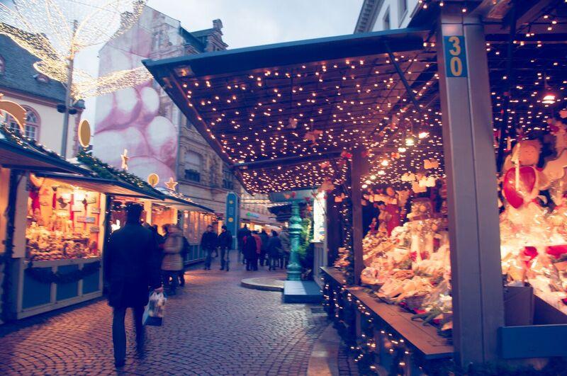 2 shopping Gemma Wiesbaden Twinkling Star Christmas Market