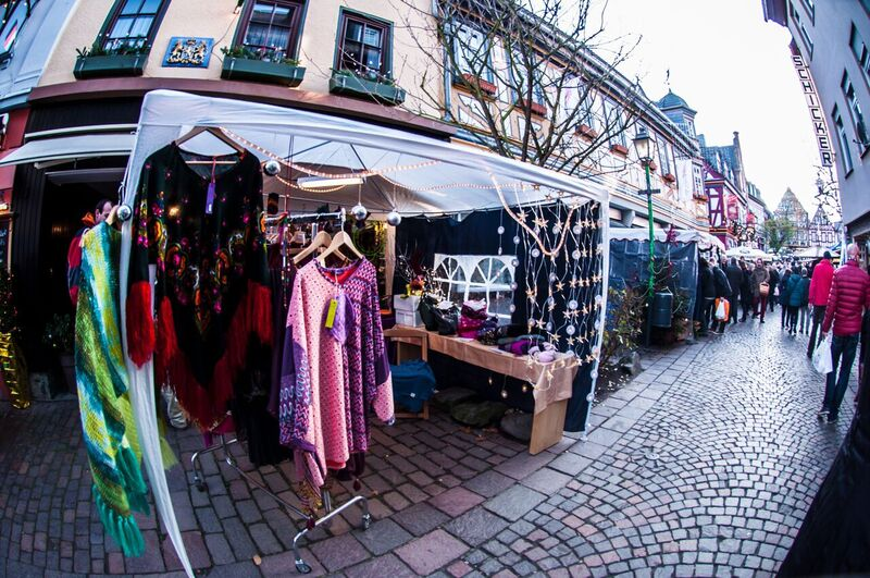 4 vendor Gemma Along the cobblestone streets of the Idstein Christmas Market