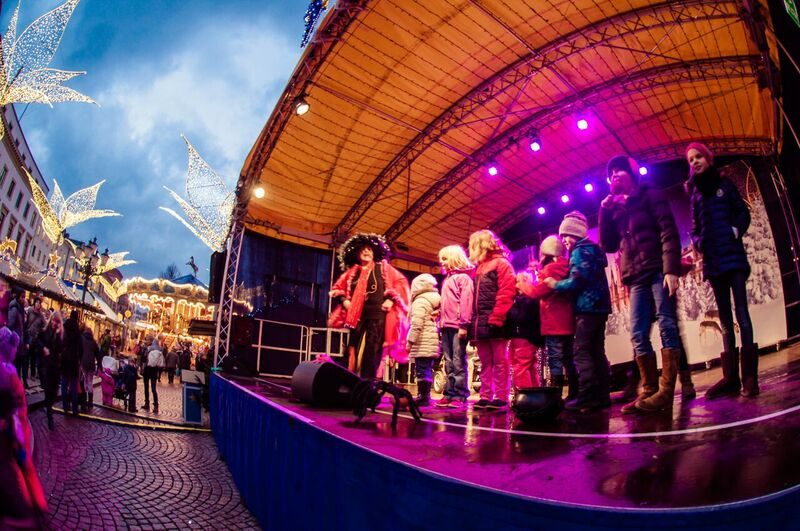 6 stage Gemma Wiesbaden Twinkling Star Christmas Market