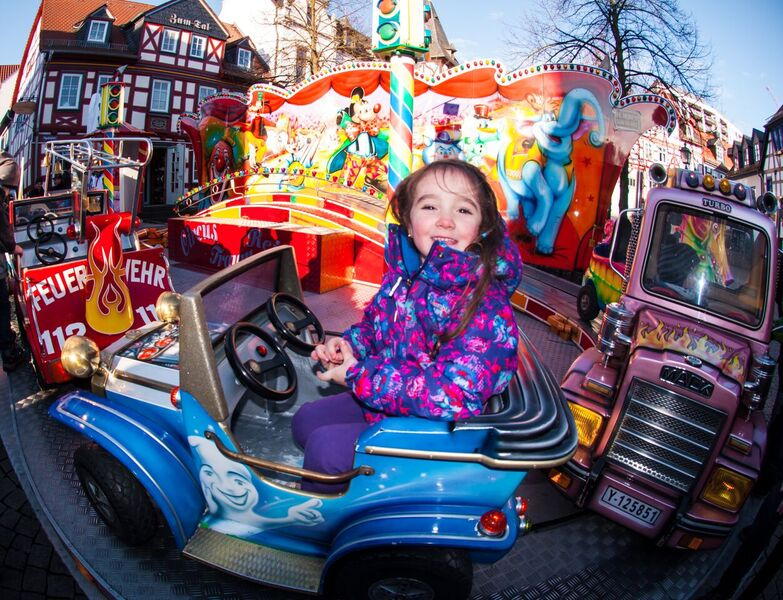 7 kids ride Gemma Along the cobblestone streets of the Idstein Christmas Market