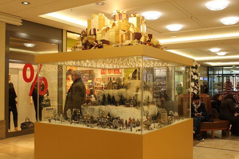 Breuningerland Xmas display Wendy Malls of Stuttgart
