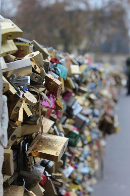 Love Locks Wendy Experience Paris - tips from a traveling artisan