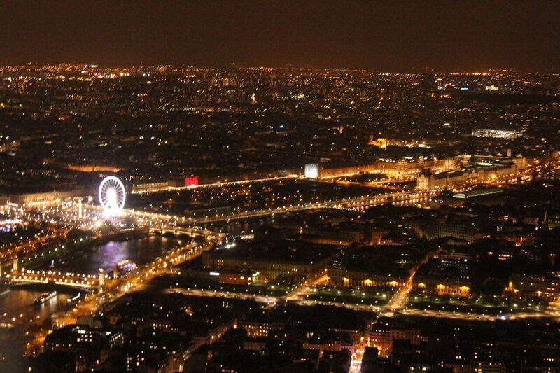 Paris at night Wendy Experience Paris - tips from a traveling artisan