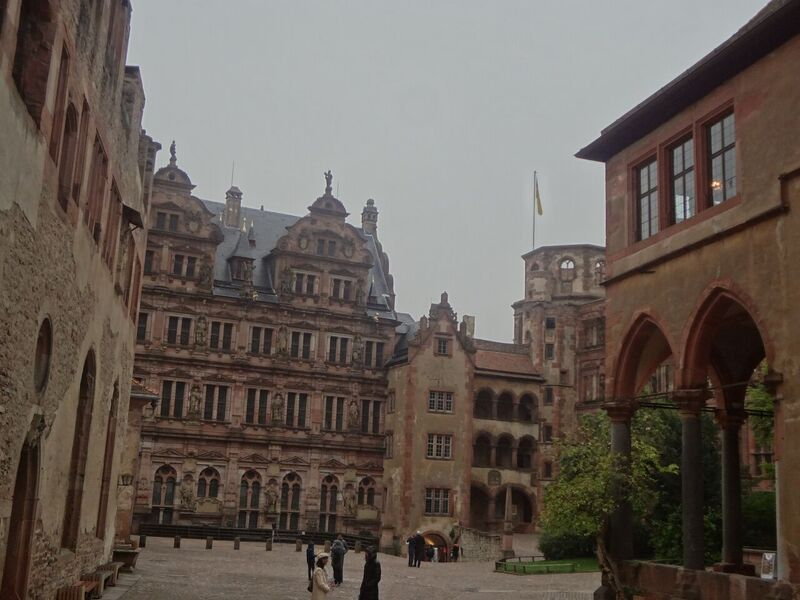 Photo 1 The World's Largest Wine Barrel and Heidelberg Castle