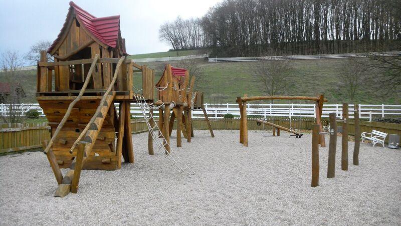 Playground Kelly Der Pferdestall Stables and Saloon