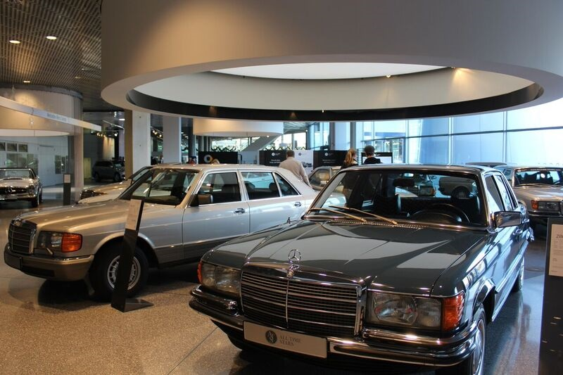 Mercedes Benz showroom Wendy Where Pigs Fly!