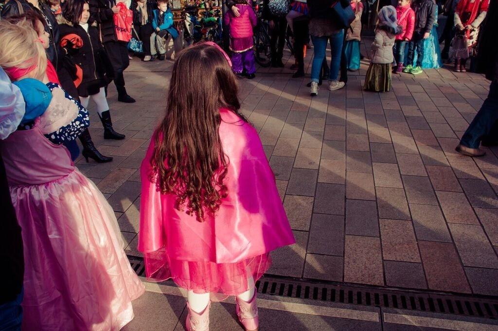 0151 Gemma Wiesbaden Children's Fasching Parade