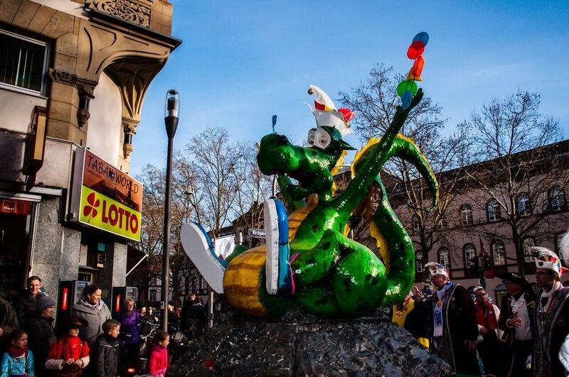 0158 green dragon float Gemma Wiesbaden Children's Fasching Parade