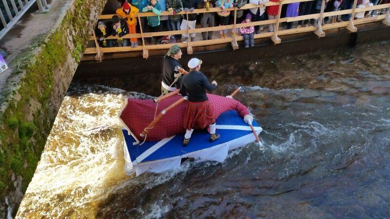 131928 Scottish on river Gemma Schramberg Fastnacht Boat Race and Parade