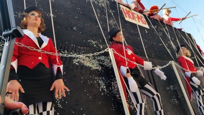 145002 human puppets Gemma Schramberg Fastnacht Boat Race and Parade