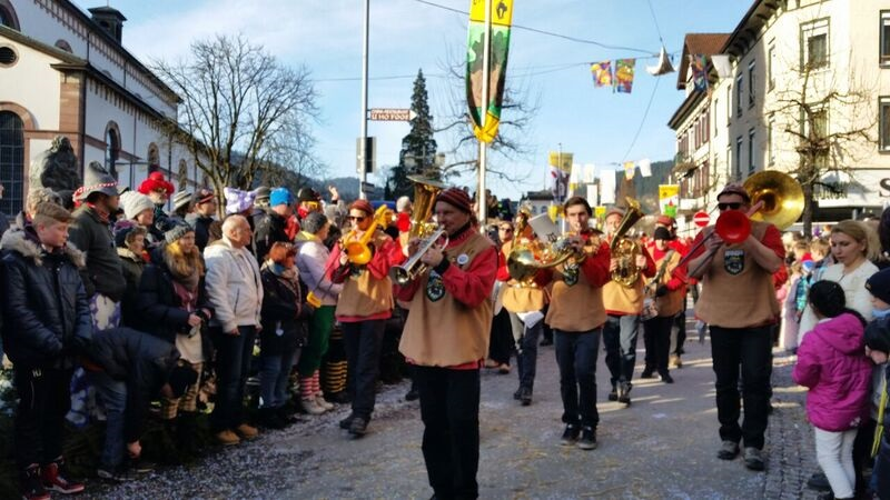 150404 trumpet band Gemma Schramberg Fastnacht Boat Race and Parade