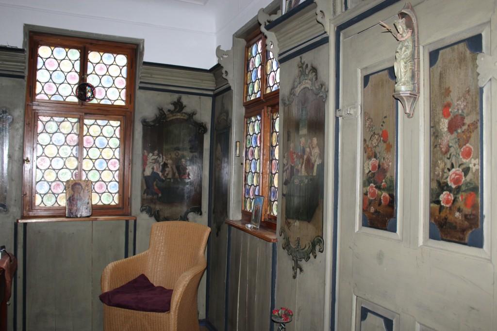 Sitting room 2 Wendy Leonberg Horse Market 16