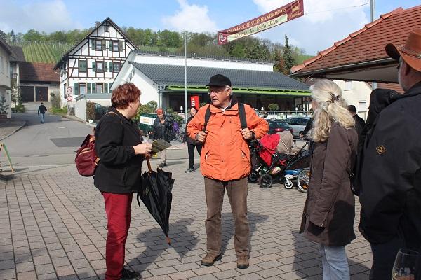 MIG - Jutta leading Wendy Wine Walks near Stuttgart May 16