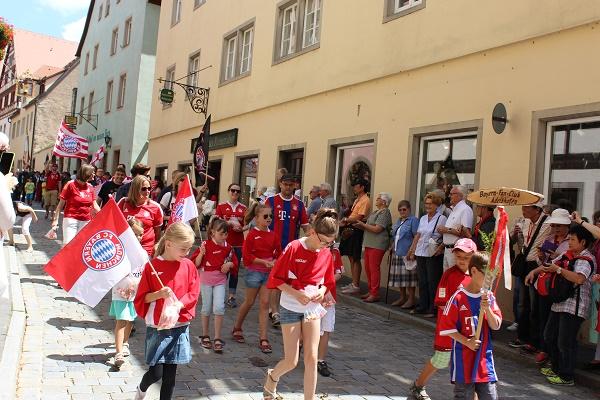 MIG - Rothenburg parade Wendy PCSing into Europe 16