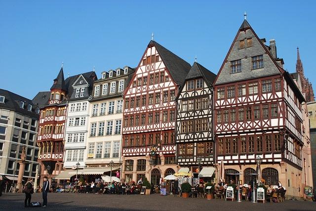 frankfurt-282598_640 Pixabay Gaertringen Discovering Frankfurt on Foot 16