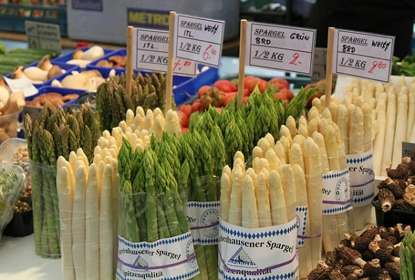 market-250979_640 Pixabay Gemma For the Love of Spargel May 16