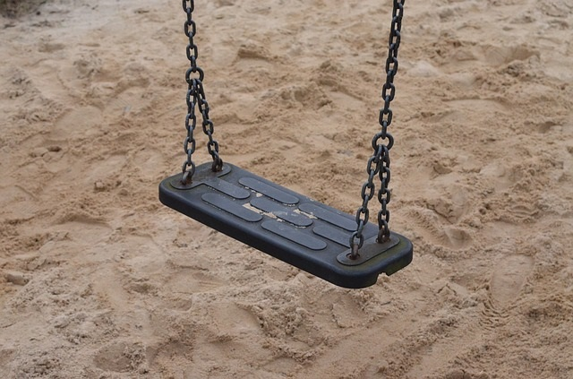 swing-258236_640 playground Pixabay 6 Attractions for kids in Hamburg May 16