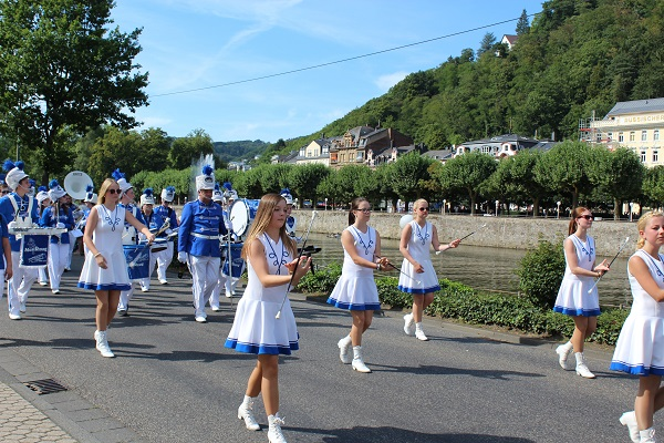 MIG - marching band Wendy The largest flower parade and festival in Germany August 16