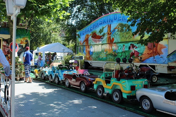 MIG - rides for kids flower parade Wendy The largest flower parade and festival in Germany August 16