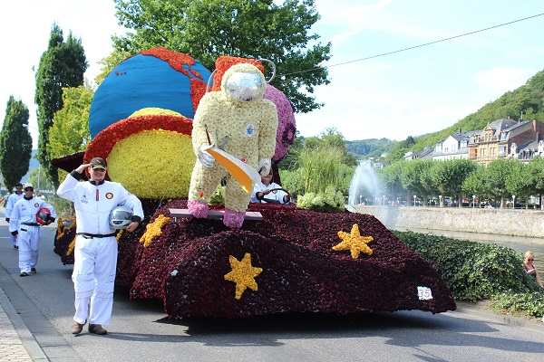 MIG - salute to NASA Wendy The largest flower parade and festival in Germany August 16